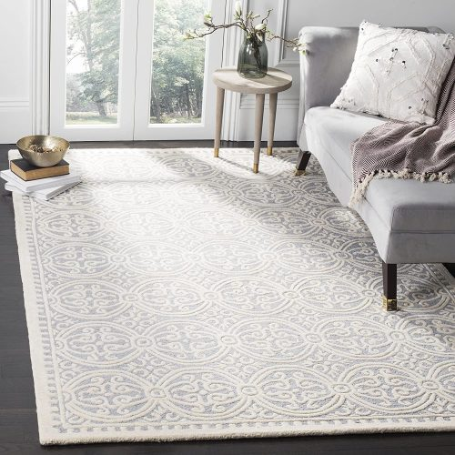 3. Safavieh Cambridge Collection Handcrafted Moroccan